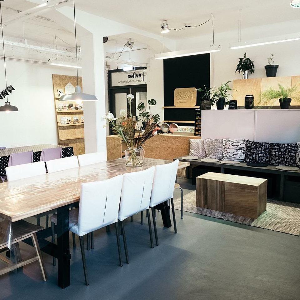 evites-studio-lounge2